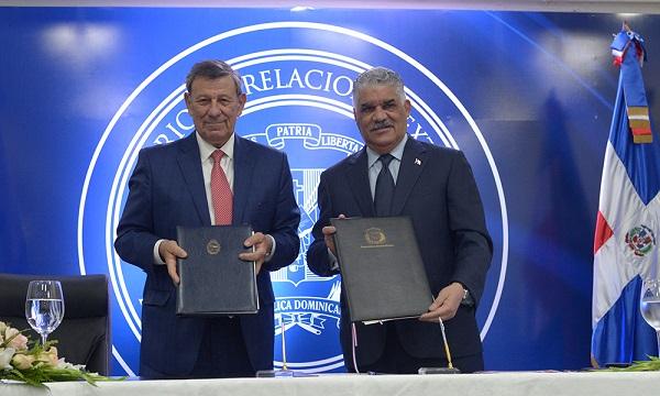 RD y Uruguay firman acuerdos económicos y migratorios
