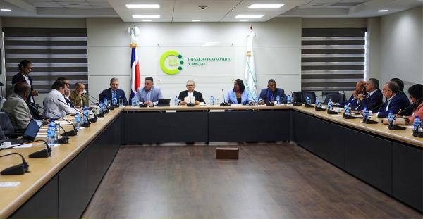 CES convoca a organizaciones campesinas y gremios profesionales para integrar el pleno