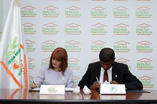 Firma del acuerdo institucional
