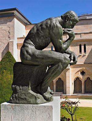 El-pensador de Rodin. -
