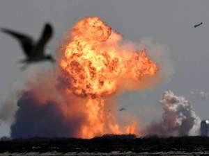 El Starship de SpaceX aterriza con éxito, pero vuelve a estallar.