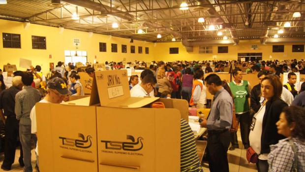 El presidente salvadoreño insta a votar en elecciones del próximo domingo