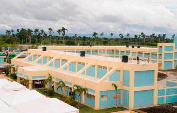 Incrementan acciones contra el coronavirus en CCR El Pinito de La Vega