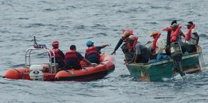 Tres personas murieron tras volcarse nave al tratar llegar ilegal a Puerto Rico.