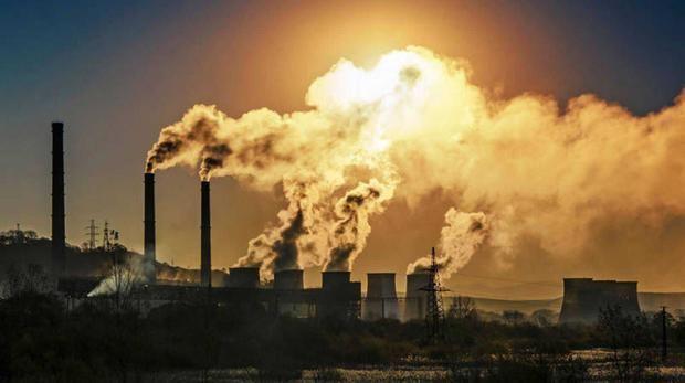 El encierro por COVID-19 reduce un 17 % las emisiones mundiales de carbono.