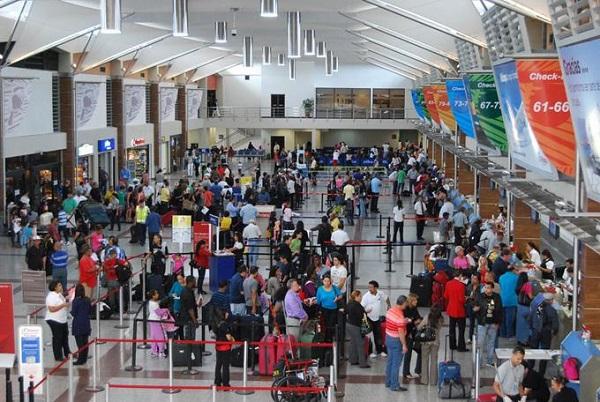 Más de 2 millones de viajeros pasan por aeropuertos dominicanos hasta octubre