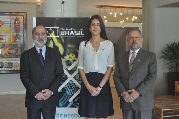 Empresarios brasileños muestran interés de negocios en electricidad y electrónica