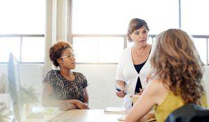 Abogan por la trasformación del liderazgo femenino en la gestión empresarial.