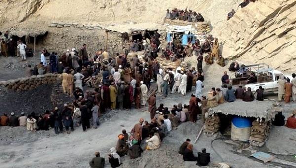 Al menos 9 muertos y 3 heridos en una explosión de una mina en Pakistán