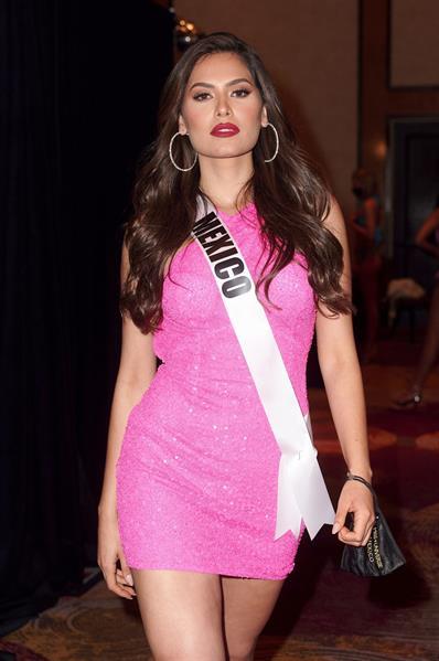 Miss México 2020, Andrea Meza, a su llegada el 7 de mayo al Seminole Hard Rock Hotel & Casino en Hollywood, Florida (EE.UU.).