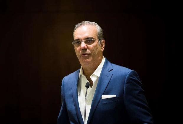 El candidato presidencial Luis Abinader da negativo al coronavirus