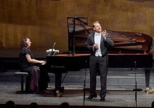 La Ópera de Viena celebró este lunes su primer concierto con público en tres meses, en forma de un exclusivo recital ante sólo cien espectadores debido a las restricciones de aforo como media contra la Covid-19.