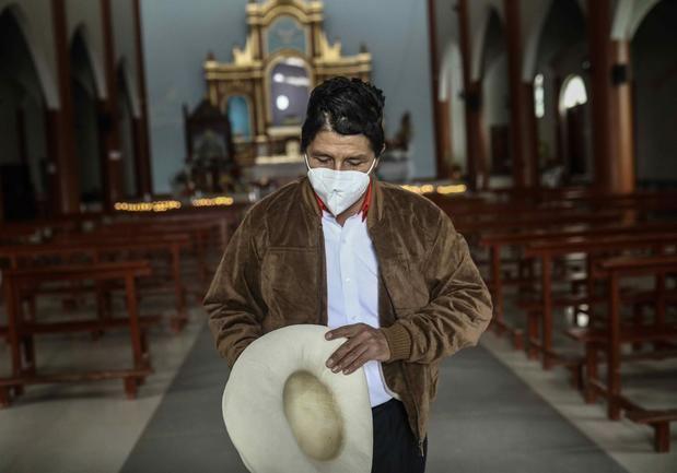 Castillo le saca más de 12 puntos de ventaja a Fujimori en Perú, según un sondeo