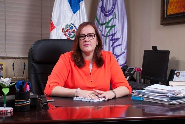 Ministra Janet Camilo reitera a la ciudadanía que cualquier persona puede denunciar la violencia machista con solo marcar desde cualquier teléfono celular el *212.