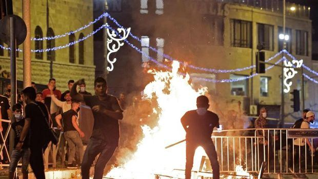 Continúan los enfrentamientos entre palestinos e israelíes en Jerusalén