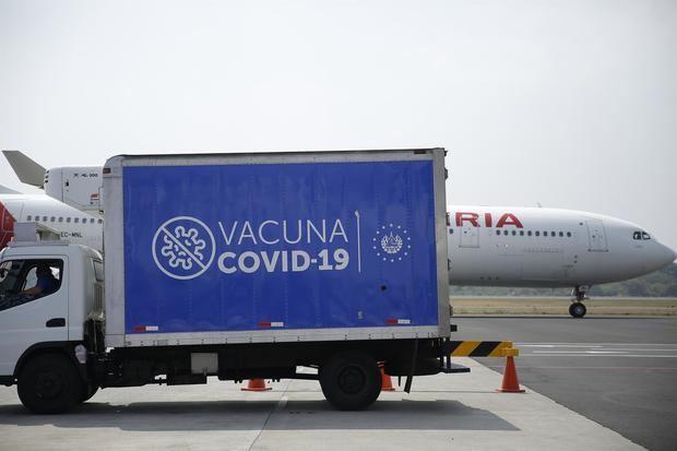 Oxfam urge a acelerar la donación de vacunas a países del mecanismo COVAX