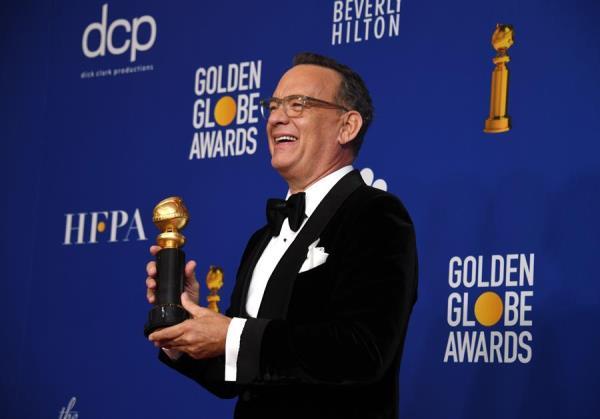 Tom Hanks tiene el Golden Globe Cecil B. DeMille Award en la sala de prensa durante la 77a ceremonia anual de los Golden Globe Awards en el Beverly Hilton Hotel, en Beverly Hills, California, EE. UU., 05 de enero de 2020.