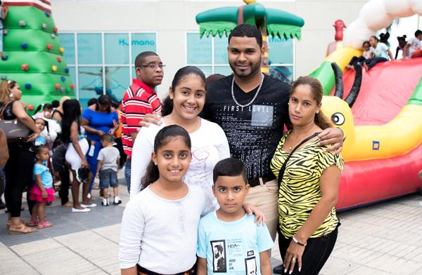 Cientos de familias disfrutaron la magia de los Reyes Magos en el Mundo Inflable de Megacentro