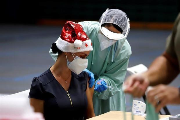 Puerto Rico comienza a vacunar contra la Covid-19 con las dosis de Moderna