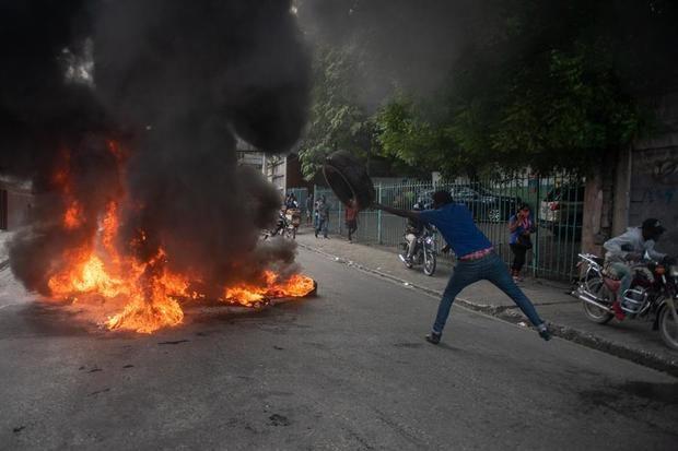 Cientos de personas se manifiestan en Haití contra inseguridad y violencia