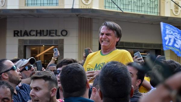 El ataque a Bolsonaro y el veto a Lula radicalizan las elecciones en Brasil
