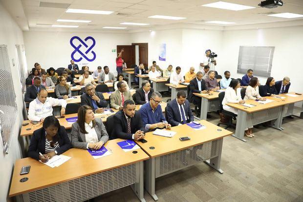 Fiscales se preparan para enfrentar delitos electorales en el país