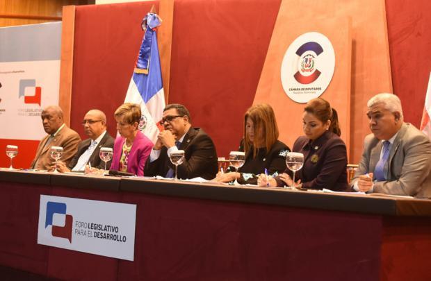 Cámara de Comercio de Puerto Plata denuncia urgencias de la provincia