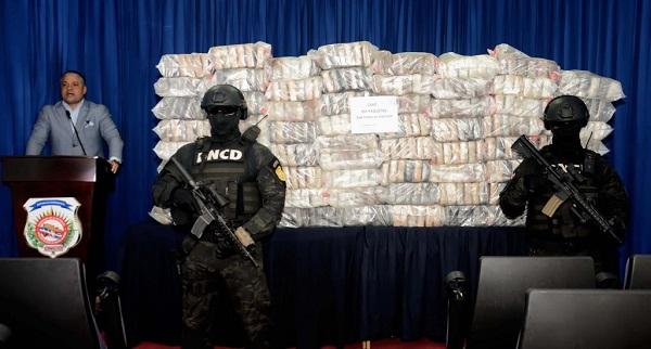 Autoridades incautan 395 paquetes de cocaína en costa de San Pedro de Macorís