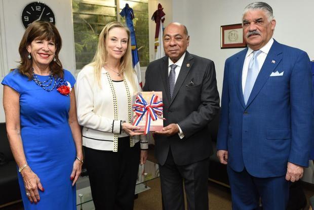 Subsecretaria de Estado de Estados Unidos realiza visita al TC