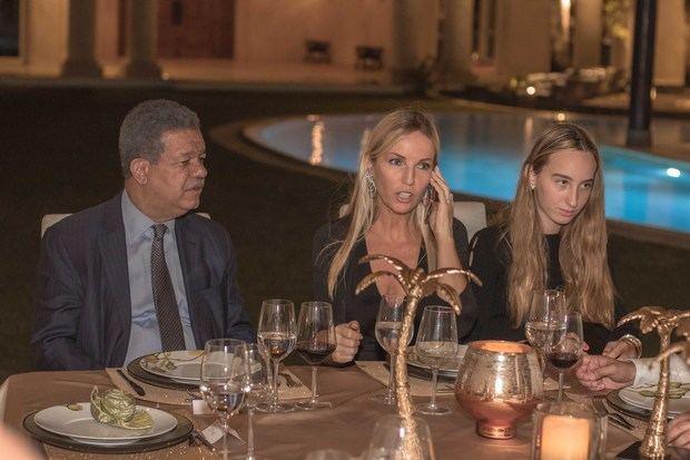 El ex presidente Leonel Fernández, Cristie  Crociani Delrieu y Delia Delrieu.