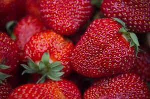 Frutas rojas y naranjas, ricas en vitamina C y betacaroteno