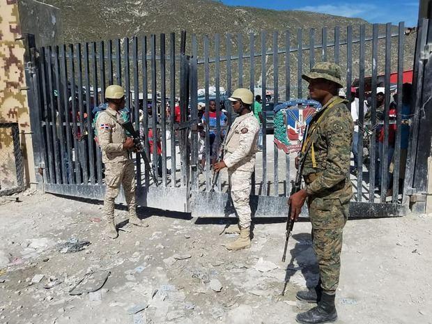 Migración deporta más de 1,700 nacionales haitianos en cinco días
