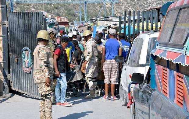 Los haitianos aceleran el regreso a su país desde la República Dominicana