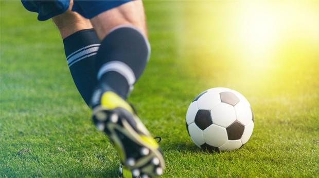 Un grupo de 32 jugadores es convocado para estructurar la selección de fútbol.