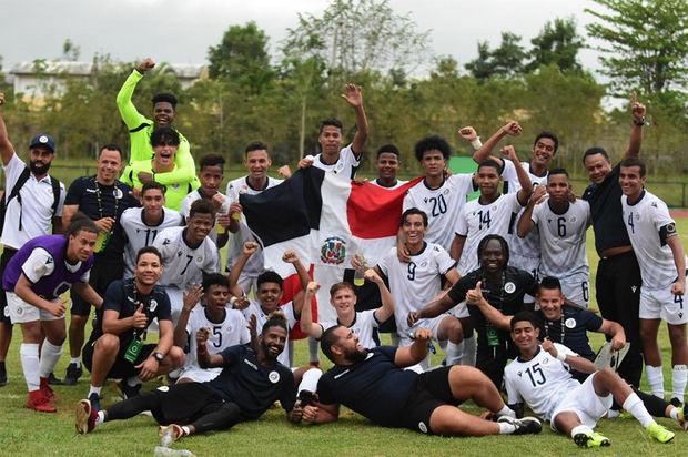 selección de fútbol de la República Dominicana se clasificó este domingo a la fase final del Premundial sub'20.