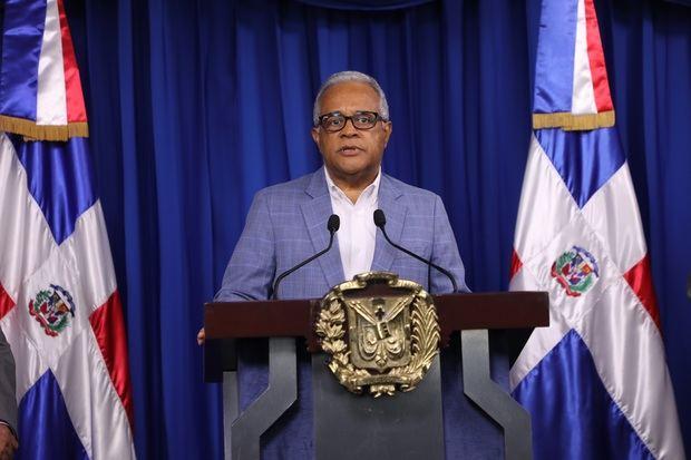 Ministro de Salud explica alcance jornadas de intervención sanitaria.
