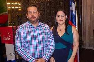 Mario Ginebra y Liz de Ginebra.