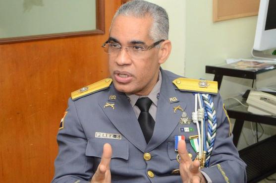 Subdirector de la Policía Nacional Dominicana, Neivi Luis Perez Sánchez, es objeto de una querella por supuestos abusos psicológicos.