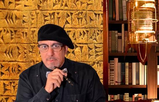 Dramaturgo y director de teatro Giovanny Cruz.