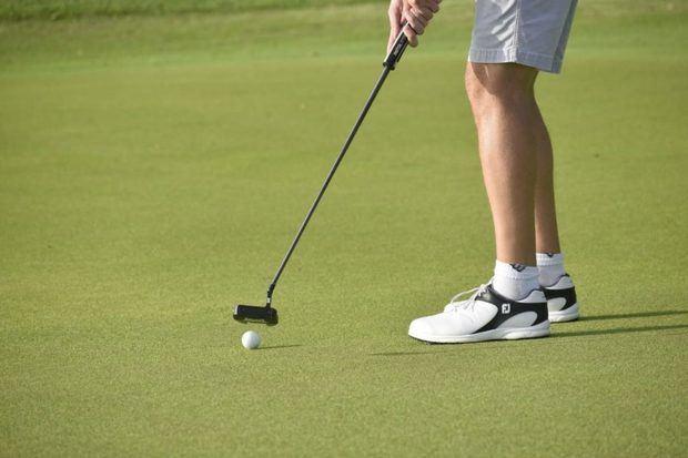 Fedogolf capacita damas golfistas en taller sobre nuevas reglas