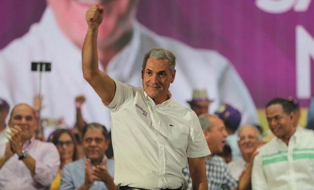 El PRD decide respaldar a Gonzalo Castillo como candidato presidencial.
