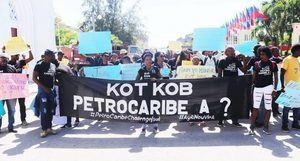 Juez de Haití ordena comparecer a siete ex altos cargos por caso Petrocaribe.