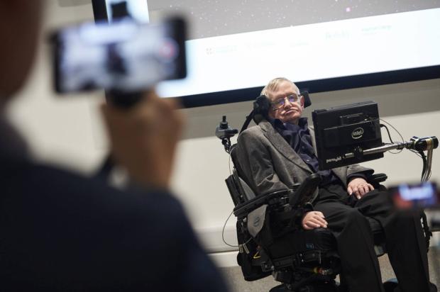 La Universidad de Cambridge dice que Hawking deja un