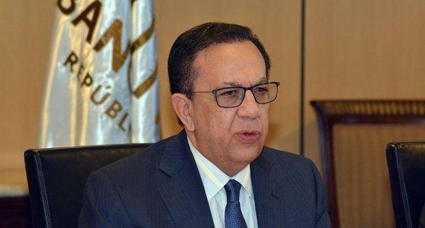 Héctor Valdez Albizu gobernador del Banco Central.