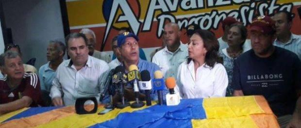 Gobernador venezolano denuncia que funcionarios se niegan a cerrar centros