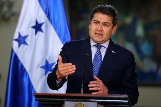 Hernández firma segundo acuerdo con OEA para aceptar resultados de elecciones