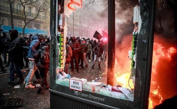 Francia paralizada por la reforma de las pensiones: estas son las claves