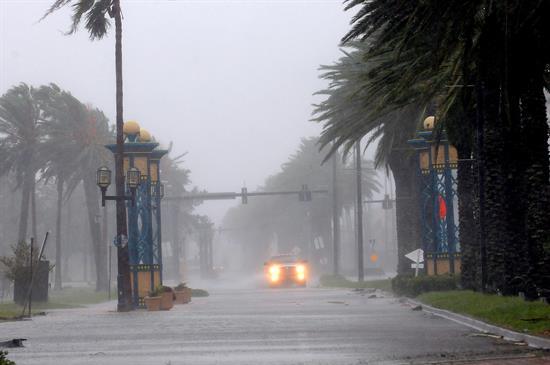María se vuelve huracán cuando el Caribe y Florida aún se recuperan de Irma