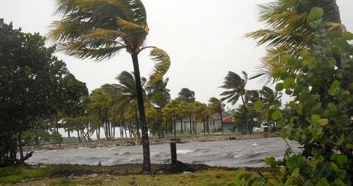 Irma se fortalece aún más cerca de las Antillas Menores y de Puerto Rico