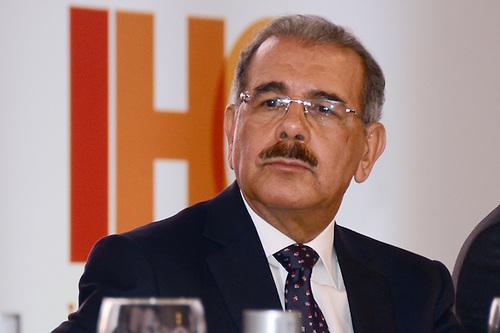 Presidente Medina propone comisión para estudiar cuestionada Ley Partidos